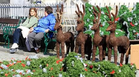 Obyvatele Mikulova překvapilo vánoční náměstí. V úterý se tu točí vánoční příběh