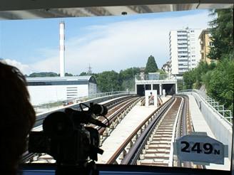 Poslední novinářský den před vlastním otevřením metra