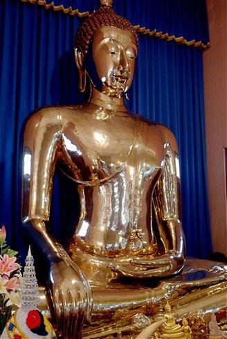 Největší chovaná zlatá sochy Buddhy z thajské Ayutthayi