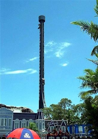 Horská dráha Tower of Terror v zábavním parku Dreamworld v Queenslandu v Austrálii