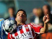 S míčem na prsou se představuje žižkovský útočník Petr Švancara