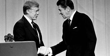 Carter a Reagan. Carter neměl proti herci Reaganovi naději.