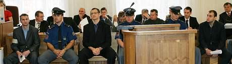 Soud s padělateli bankovek v Brně - Pavlo Nikoljuk (vlevo)