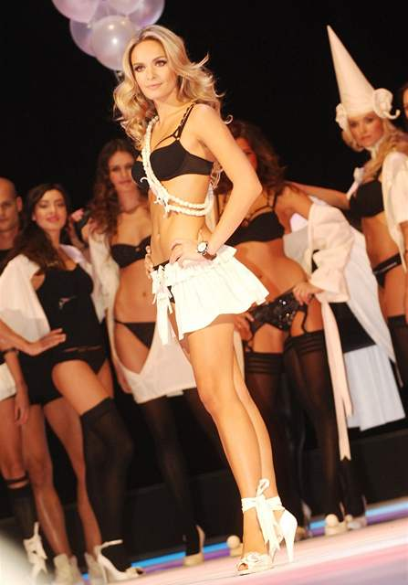 Official Thread of Miss World 2006 - Tatana Kucharova (Czech Republic) - Page 2 VED264934_DSC_0265