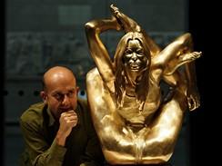 Marc Quinn - Siréna (na snímku autor sochy)