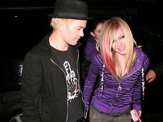 Avril Lavigne se svým manželem Deryckem Whibleym