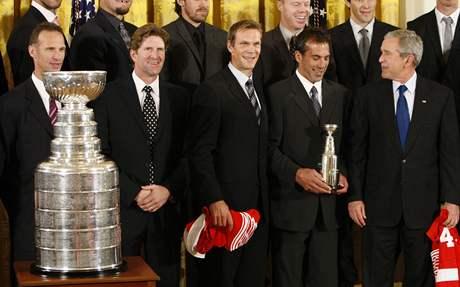 Detroit, Stanley Cup, Hašek, audience u prezidenta Bushe