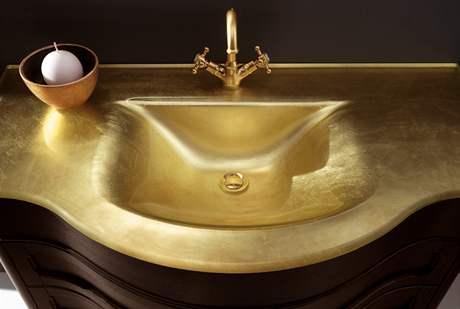 Zlato se na Cersaie sklo�ovalo ve v�ech p�dech