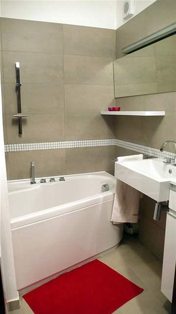 Minimalistická koupelna v paneláku