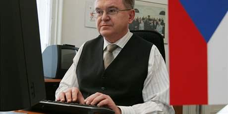 Kandidát na senátora Miloš Janeček