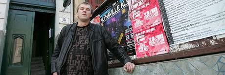 Pavel Tesař před brněnským klubem Mersey