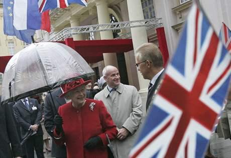 Britsk� kr�lovna Al�b�ta II. na n�v�t�v� Slovenska (23.10.2008)