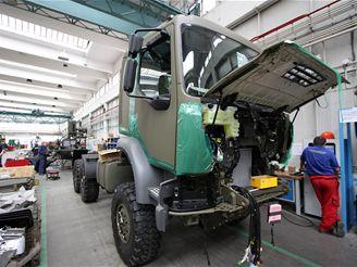 Tatra T 810