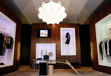 Lustr Zeppelin lze použít i v obývacím pokoji