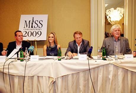 Nové vedení Miss ČR: Dušan Kunovský, Taťana Kuchařová, Jiří Adamec a Miloš Zapletal