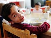 V dětském domově jsou děti různého věku
