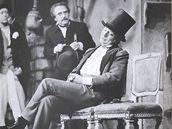 Oleg Tabakov jako Chlestakov v Gogolov� Revizorovi v �inohern�m klubu