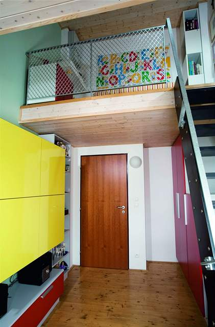 V pokojích dětí byly použity veselé barvy