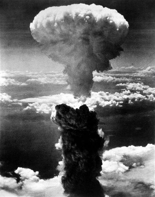 Výbuch atomové bomby - Nagasaki