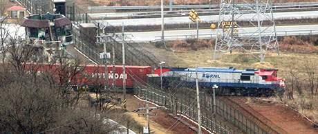 Železniční spojení mezi oběma Korejemi bylo obnoveno loni v prosinci po téměř padesáti letech.