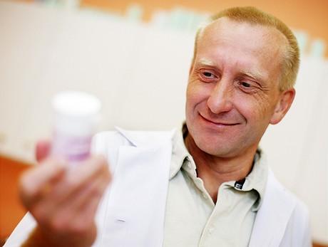 MUDr. Bouda z pražské GHC kliniky posuzuje učinek BUST PLUS