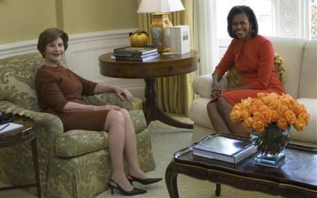 Laura Bushová a Michelle Obamová v Bílém domě