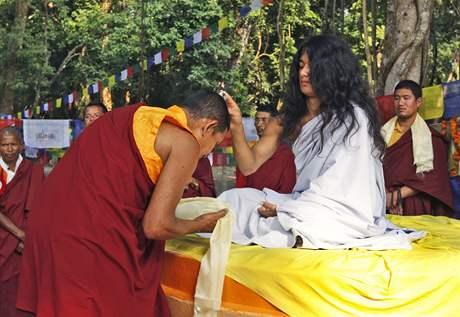 Lidé věří, že je Rám Bahádur Bandžan převtělením Buddhy.