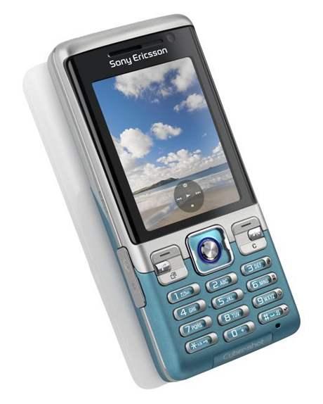 Mobilní telefon C702