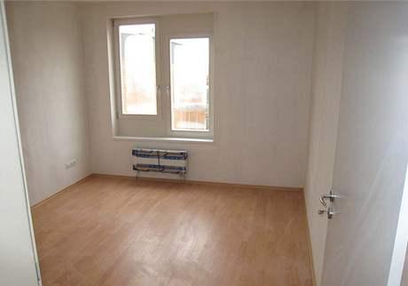 Obývací pokoj s ložnicí
