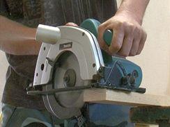 Okružní pila je ideální pro snadné a rovné řezání prken či hranolů