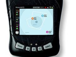 Barevný displej informuje stejně přesně jako navigace v autě