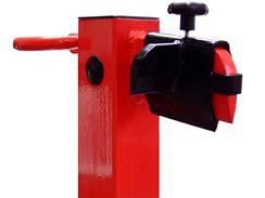 K vertikálním štípačkám lze získat i štípací kříž, který rozdělí poleno rovnou na čtyři kusy