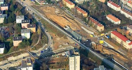 Stavba mimoúrovňové křižovatky Hradecká - Žabovřeská v Brně