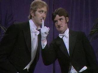 Monty Python - muž s magnetofonem v nose
