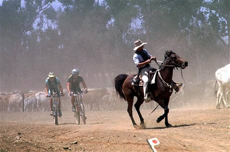 Z knihy ReCycling - Crocodile Trophy 1999 (Austrálie)