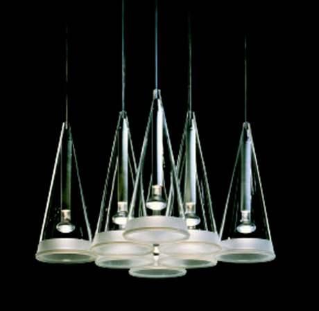 Designová transparetní svítidla vyžadují i speciální tvary světelných zdrojů