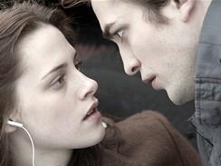 Z filmu Stmívání - Kristen Stewartová a Robert Pattinson
