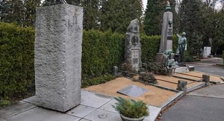 Hrob Emanuela Barši