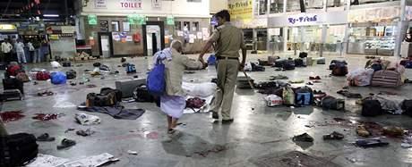 Bombajské hlavní nádraží po řádění atentátníků na konci listopadu 2008