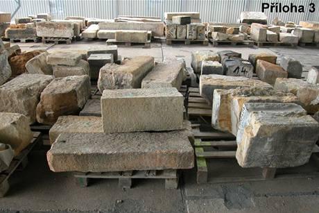 Sklad vyřazených kamenů na Šutce