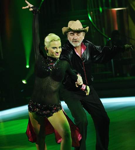 Samba v podání Vladimíra Kratiny a Laury Klimentové