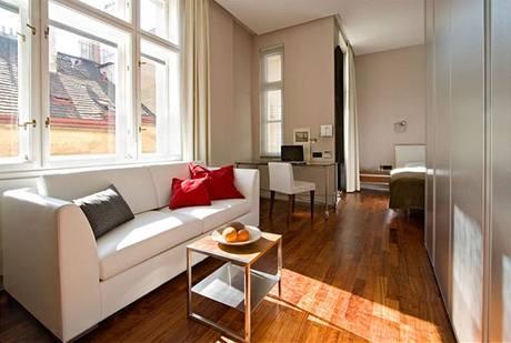 Dřevěná podlaha byt příjemně zatepluje