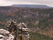 Na obzoru je vidět naše největší stolová hora - Děčínský Sněžník.