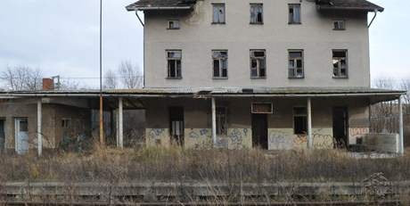 Opuštěná budova vlakového nádraží ve Ždánicích