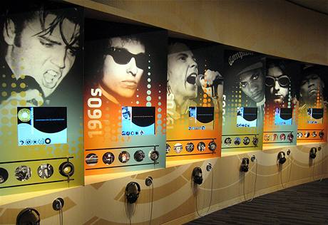 Muzeum Grammy - zeď legend