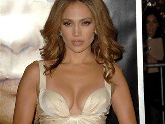 Jennifer Lopezová na premiéře, ovšem bez prstýnku