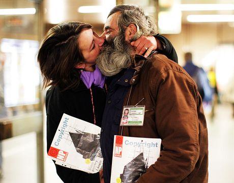 Bezdomovkyně Eva Holbusová se svým přítelem Frantou