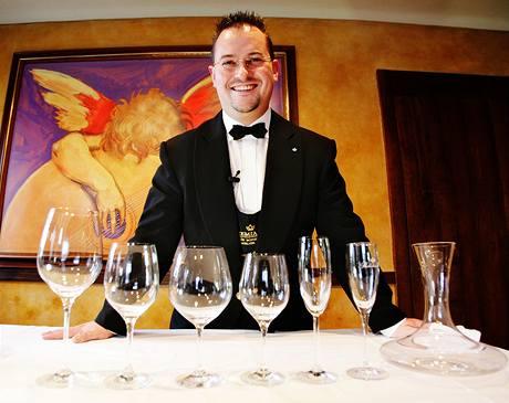 Tomáš Brůha doporučuje pečlivě vybírat sklenku ke každému druhu vína