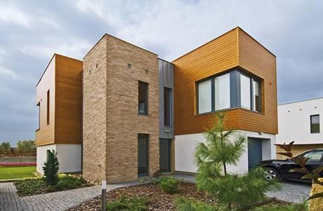 Jednoduché geometrické tvary doplňují přírodní materiály s různou strukturou