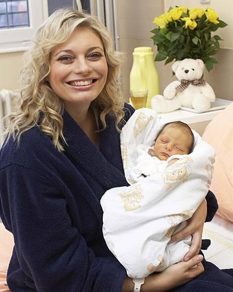 Lucie Borhyová v porodnici se synem Lucasem